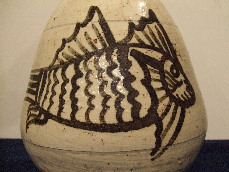 EXTREMELY IMPORTANT IMPERIAL CHOSON DYNASTY PUNCHONG VASE