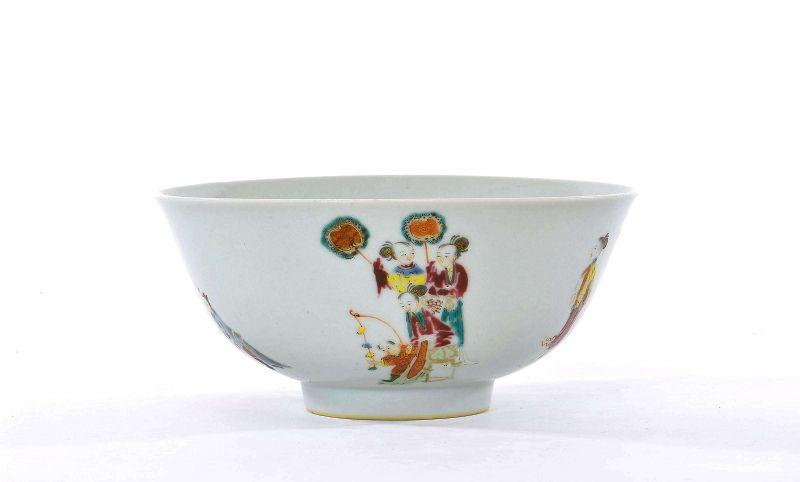 17C Chinese Kangxi Famille Rose Porcelain Bowl Lady Kids Figurine