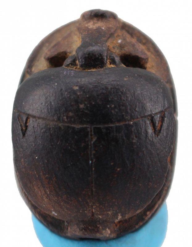 Ancient egypt new kingdom stone scarab with hieroglyphics 2,7x2 cm.