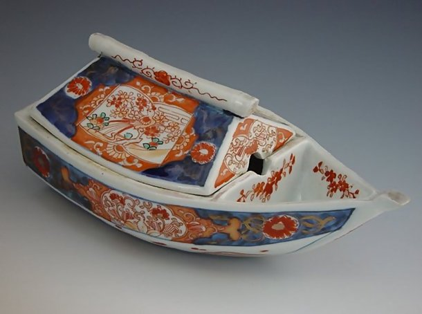 Antique Japanese Imari Boat Shape Covered Dish