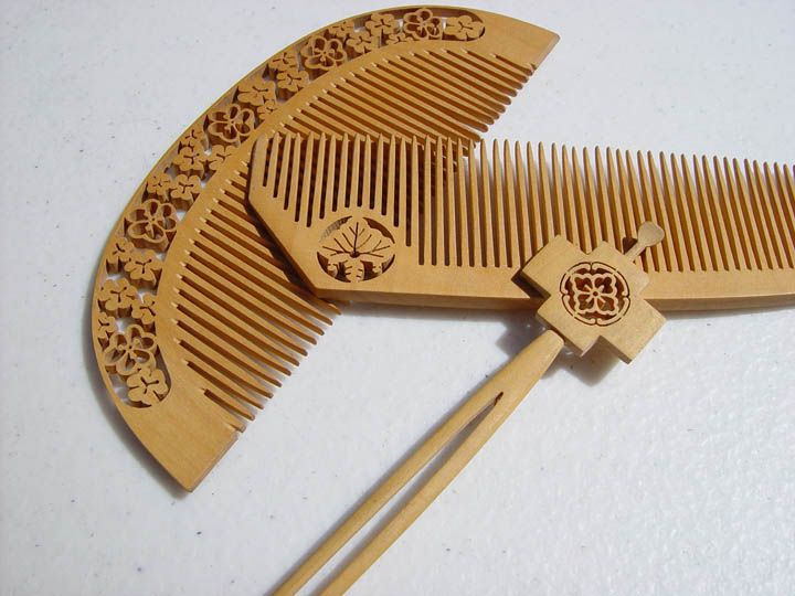 Japanese Tsuge wood sukashi-bori hair combs pin set