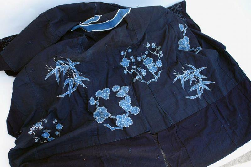 Yogi, Kimono Shaped Futon Bed Cover with Plum, pine and Bamboo