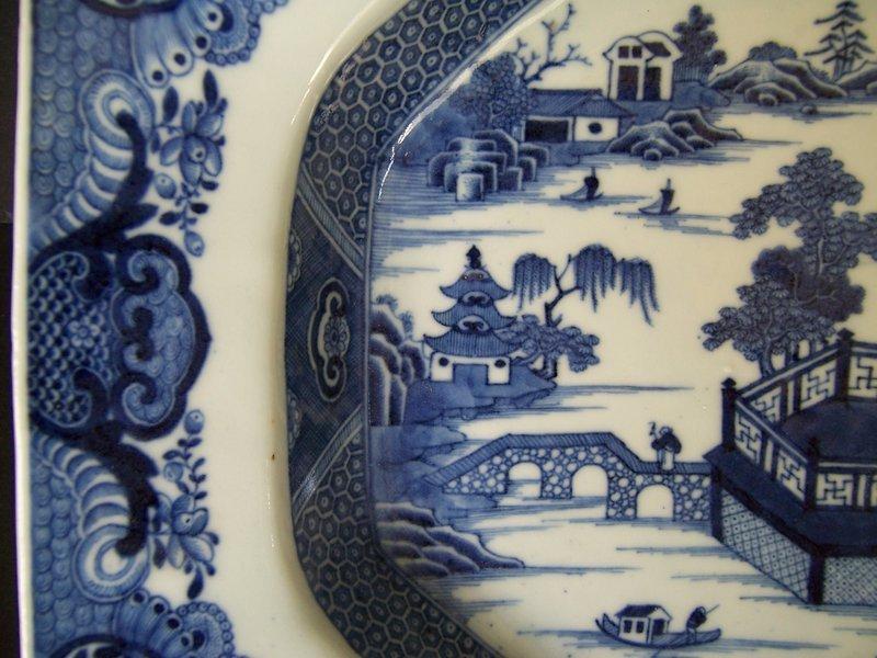 An Unusually Fine Qianlong (1736-1795) Tureen Base