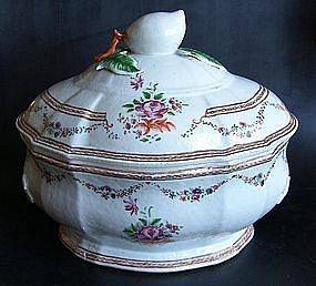 Famille Rose Tureen, around 1760