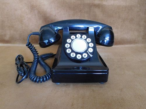 VINTAGE MICROTEL PUSH BUTTON TELEPHONE