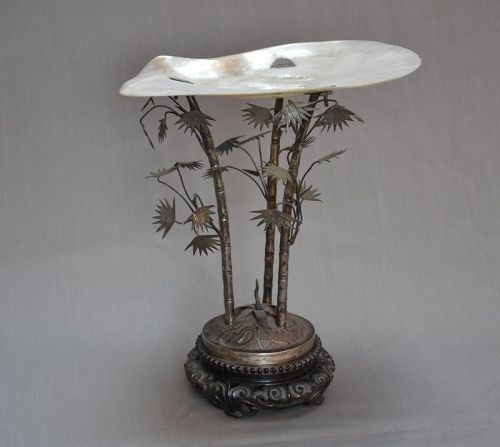 Chinese cup in silver and mother of pearl