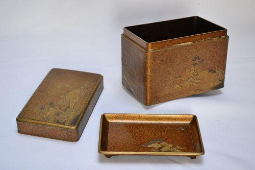 Rare laquered Kobako metal inlaid.Early Edo period.