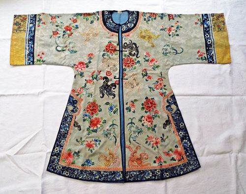 Antique, Elegant Embroidered Lady's Silk Robe, Qing Dynasty