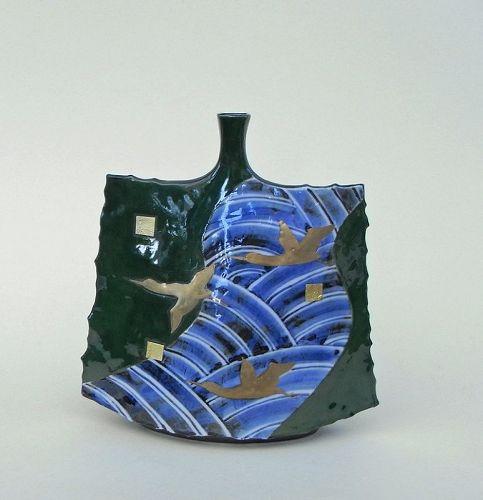 Japanese Modern Kutani vase by Yamada Masatoshi (b 1948)