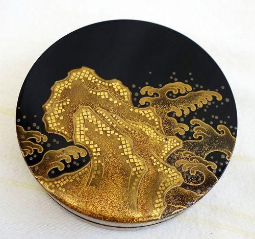Beautiful Modern Maki-e Lacquer Kogo,  Incense Box.