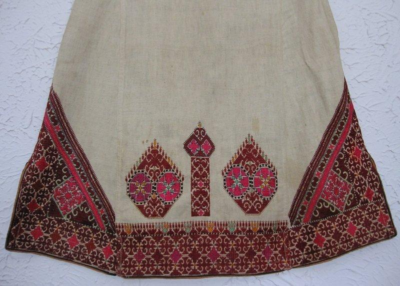A woman's tunic from Hazara district, Pakistan