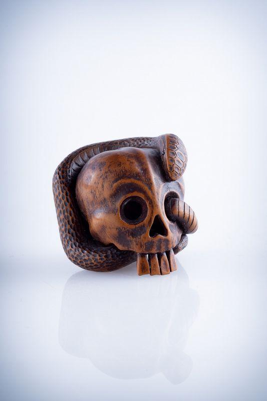Yukoku – A Japanese wood netsuke of a vanitas