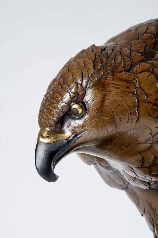 Kōmin 高民 - A Japanese bronze falcon
