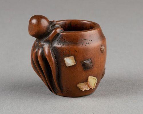 Wooden Netsuke - Octopus and jar, Japan Edo