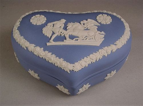 Lovely Wedgwood Jasper Ware Heart Trinket Box / Candy Box Light Blue