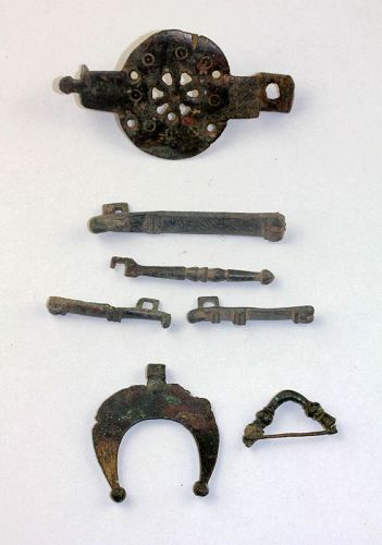 Coll. of Roman bronze keys, lunar pendant and clasp, 1st.-3rd. cent