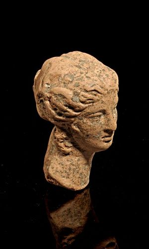 Greek pottery head of female deity, hellenistic period, 3rd. cent BC