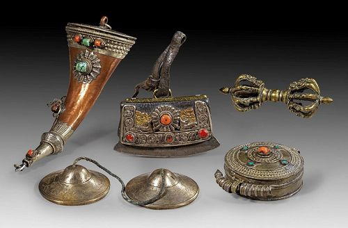 Fine collection of Tibet silver and bronze metal items, 19th. cent.