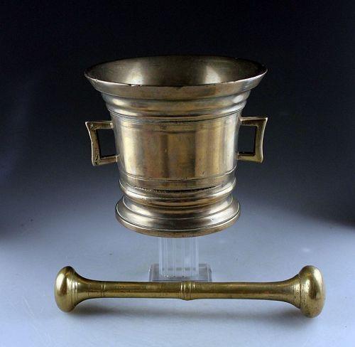 Important North-European white bronze apothecary mortar, ca. 1690