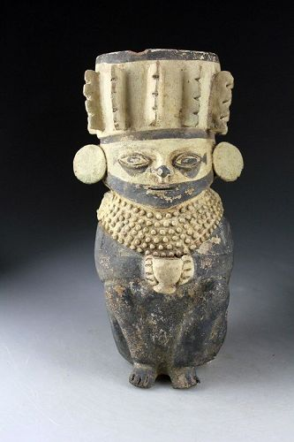 Exceptional Chancay anthropomorphic figural pottery jar, 1000-1400 AD