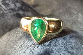 Genuine Colombian Emerald Ring set in 18 K. Gold