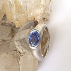 GENUINE BLUE SAPPHIRE AND 18K. WHITE GOLD RING