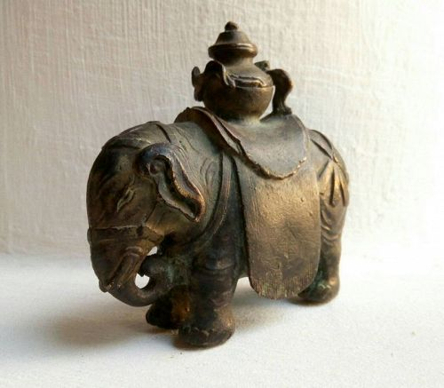 QING DYNASTY BRONZE ELEPHANT WITH CEREMONIAL VESSEL