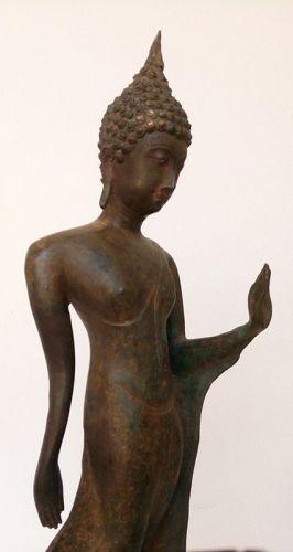 Very Rare Bronze SUKKOTHAI Walking Buddha