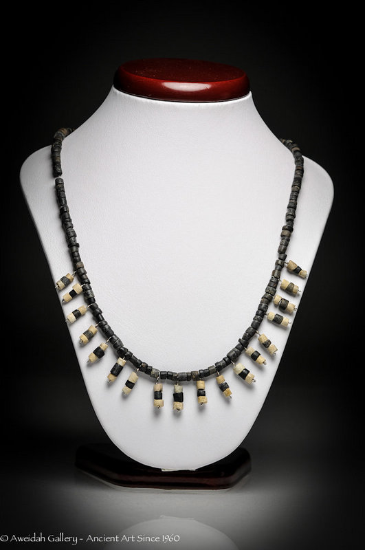 Ancient Roman Black and white beads necklace, 100 AD