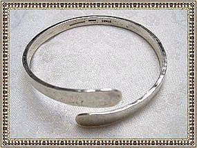 Vintage Mystery Reward Modernist Studio Sterling Silver Bangle