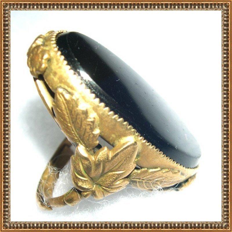 Vintage Signed Orlando Brass Ring Black Glass Foliate Knuckle