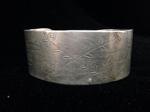 Rare Southern Plains Possibly Kiowa German Silver Bracelet