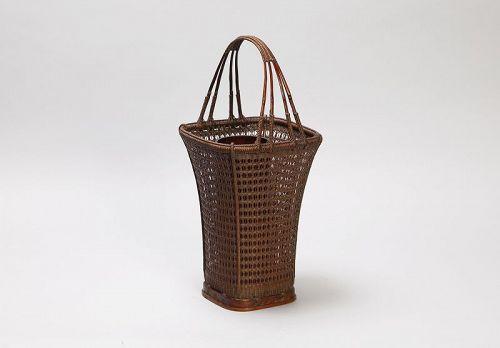 Karamono basket made by Tanabe Chikuunsai Ⅰ