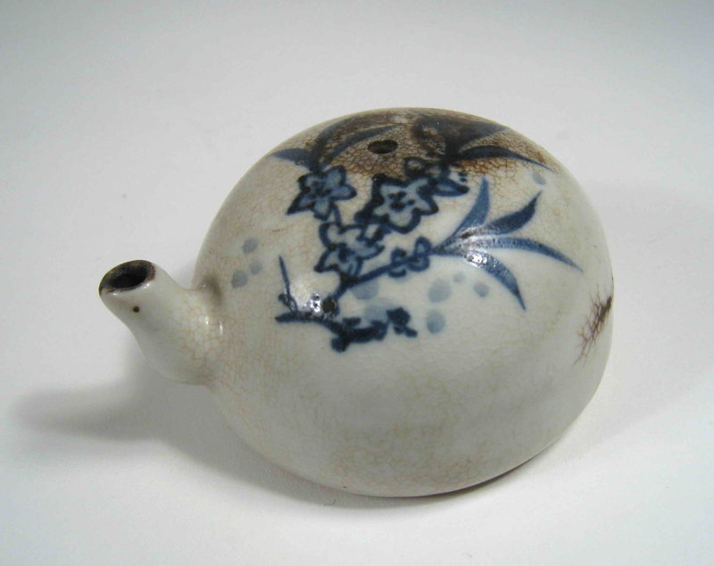 Blue & White Chinese Scholar�s Water Dripper, Qing