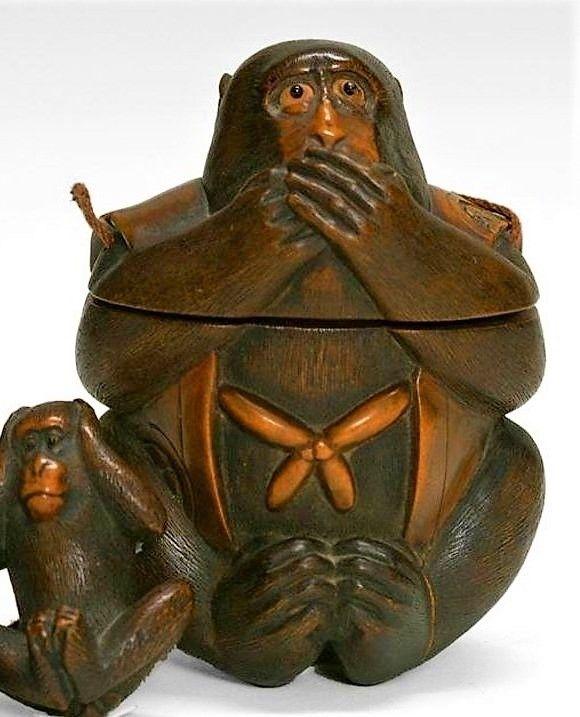Exceptional Japanese Tonkotsu Sagemono, Three Wise Monkeys, Meji