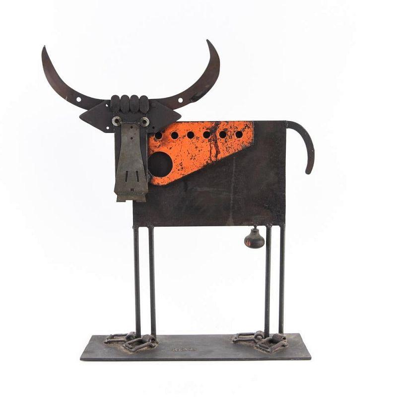 Delightful Welded Iron Bull Sculpture