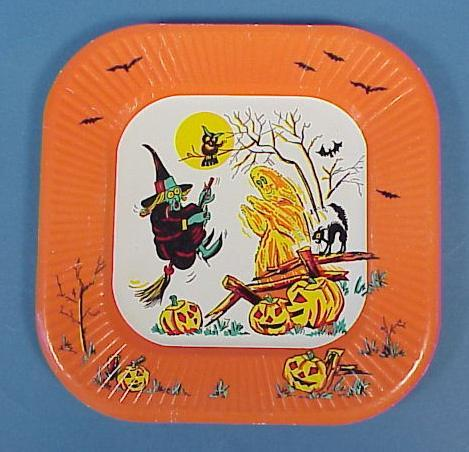 Vintage Halloween Paper Party Plates