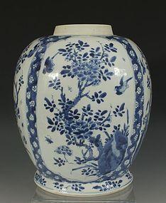 CHINESE BLUE AND WHITE VASE KANGXI 17/18thC