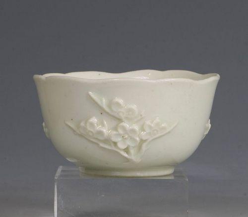 An Early Bow Prunus Teabowl C1750/2