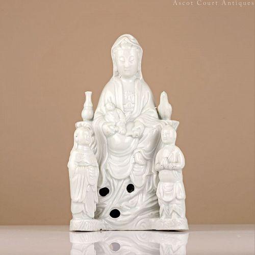 18th c Dehua Blanc de Chine White Glazed Porcelain Guanyin
