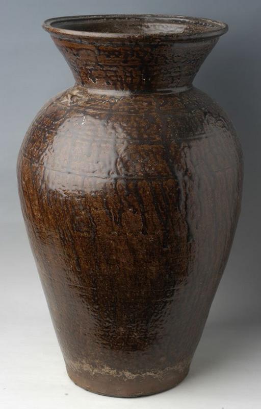 Sukhothai period, Rare and Large Nan Brown Glazed Jar