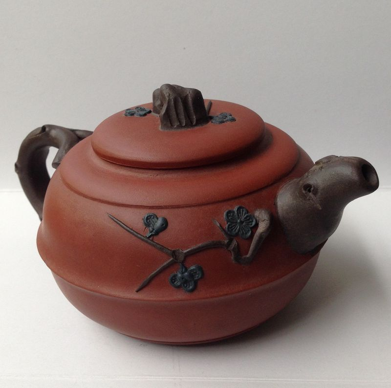 Chinese Yixing red clay teapot