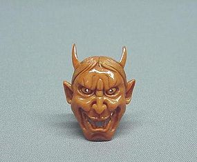 EARLY 20TH C. JAPANESE CARVED CORAL NETSUKE