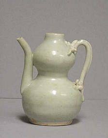 Chinese Ming Dynasty Pouring Vessel