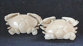 JAPANESE CARVED IVORY PAIR OF CRABS