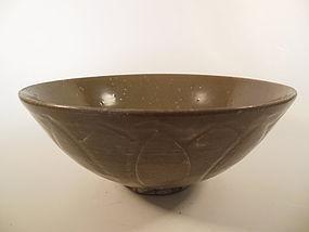 Song Dynasty Olive Green Glaze Bowl