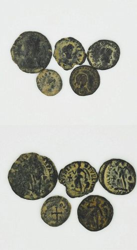 A LOT OF FIVE BYZANTINE BRONZE COINS WITH CHRISTIAN SYMBOLS