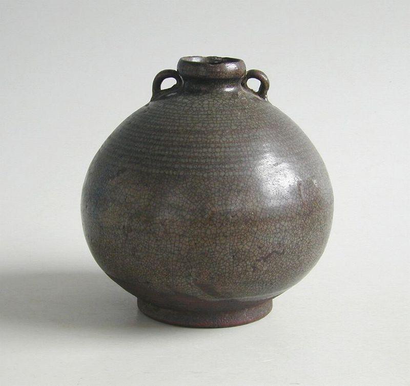 Large Thai 14th - 15th Century Sawankhalok Jar
