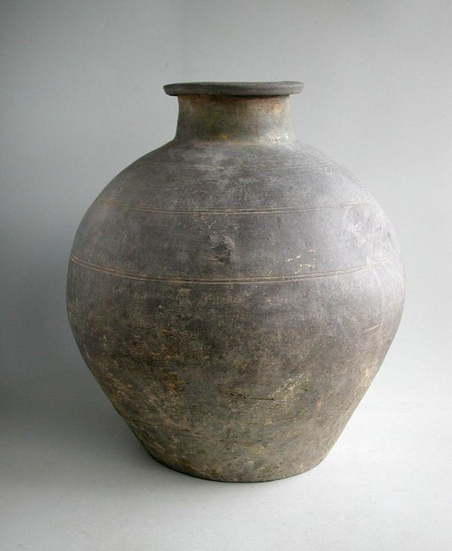 Tall Chinese Warring States / Qin Grey Pottery Jar (with incised marks