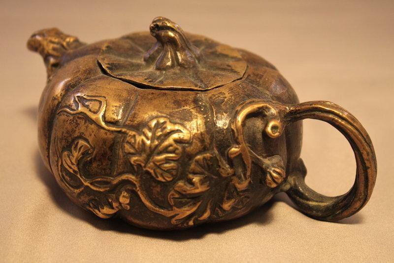 Chinese Decorative Bronze Tea Pot.